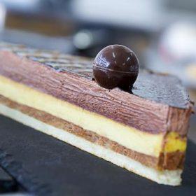 Chocolate brulee cake